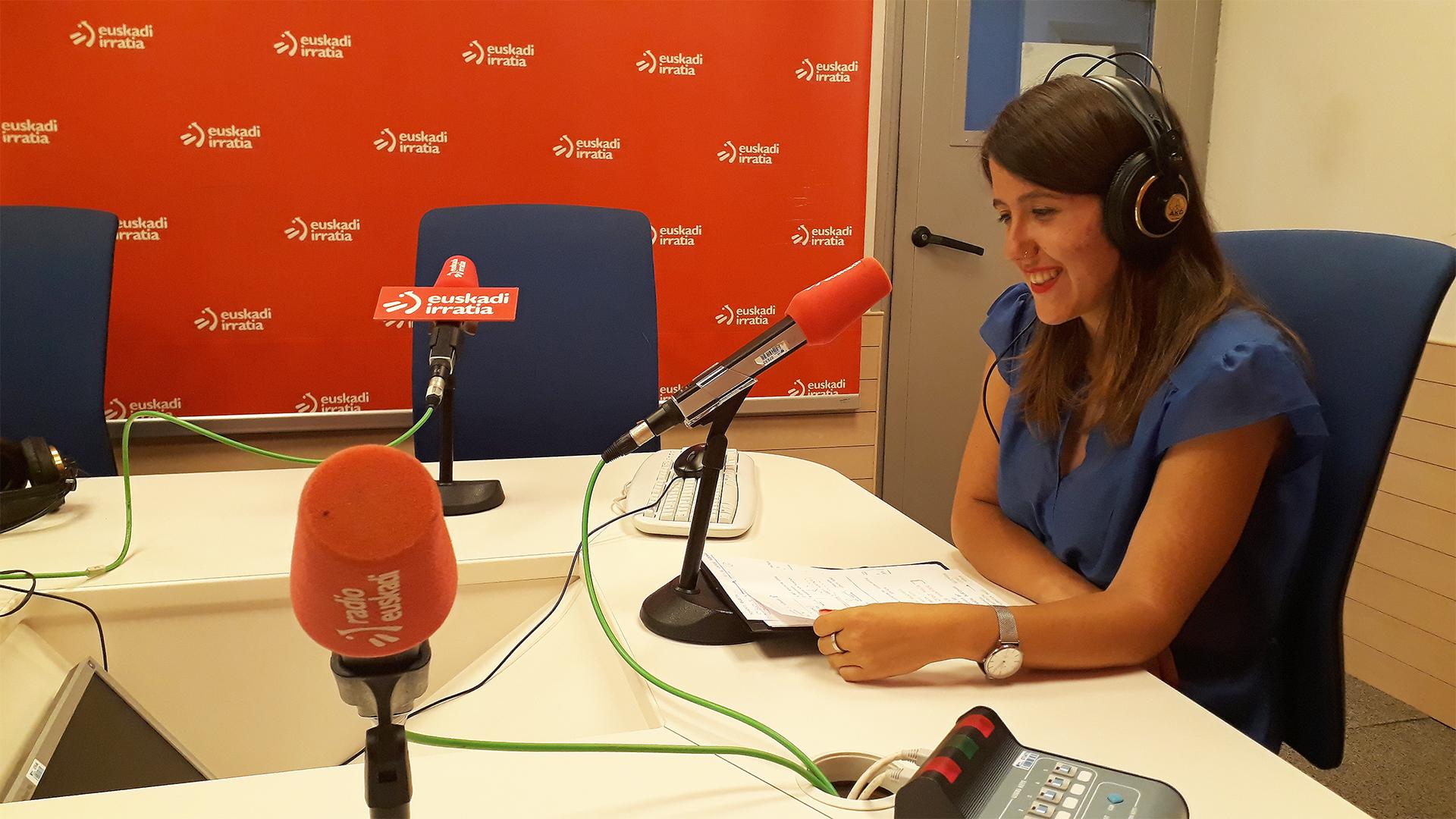Estibaliz Legarreta (DIARADESIGN) habla del proyecto INCALM en Euskadi Irratia.