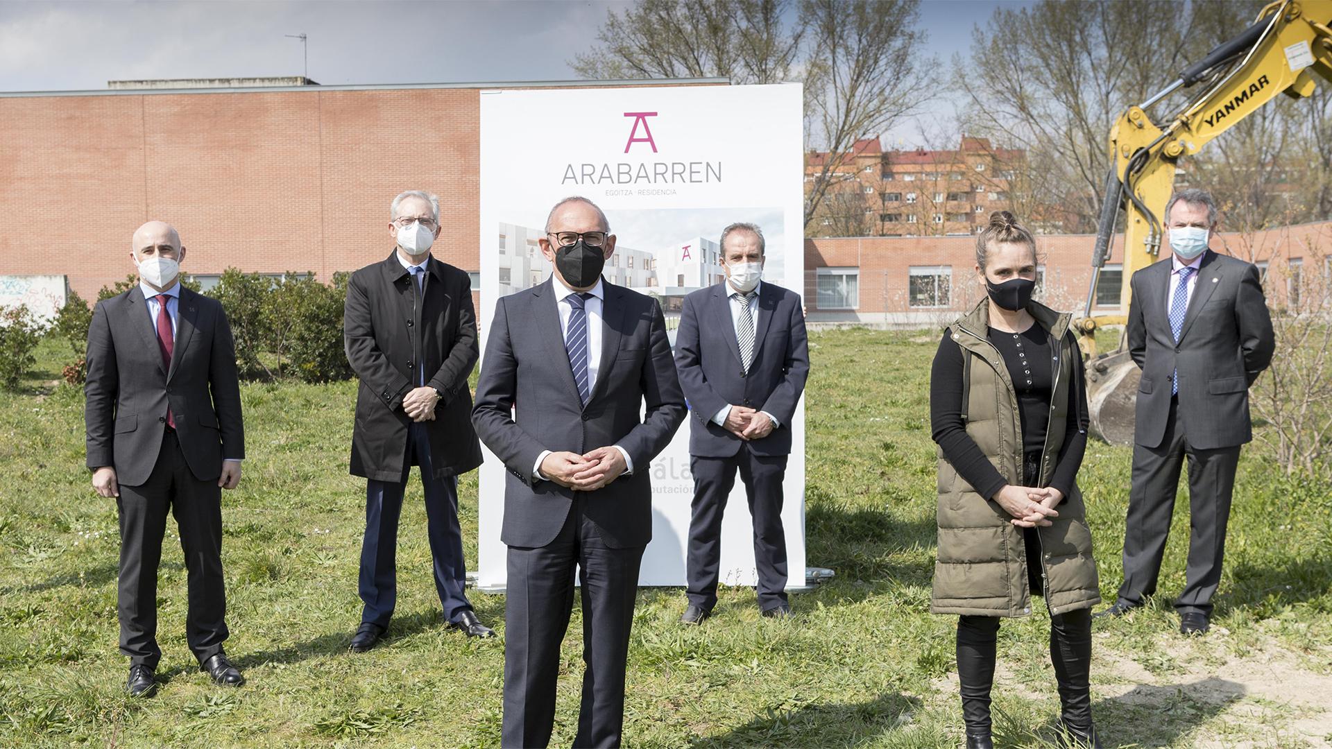 Acto de primera piedra del complejo residencial Arabarren en Vitoria-Gasteiz